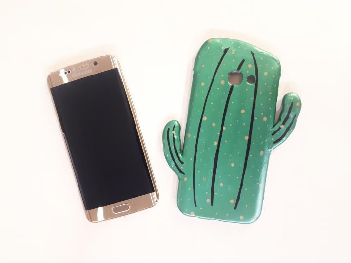 DIY Accessoire #1 – Une coque de téléphone cactus à fairesoi-même