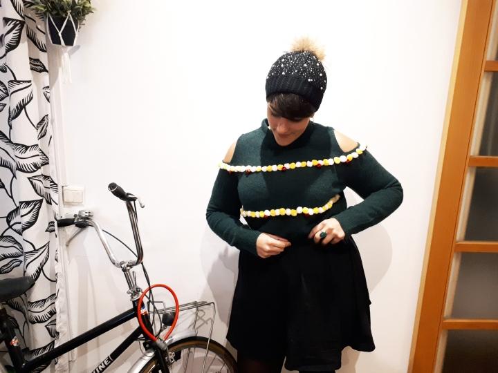 DIY Mode #6 – Un pull de Noël à pompons et àgrelots