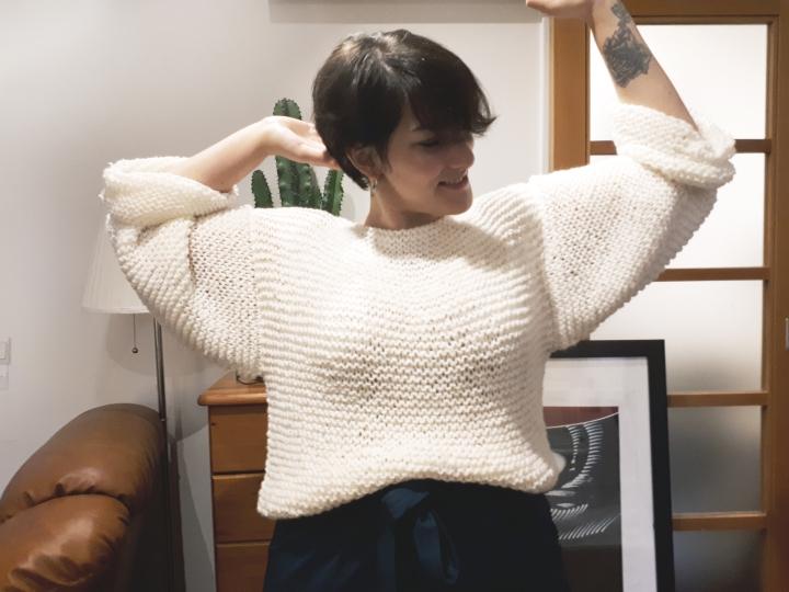 DIY Mode #11 – Un pull large et ouvert dans le dos facile àtricoter