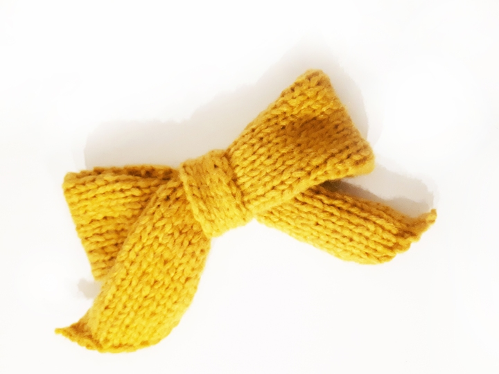 DIY-noeud-laine-tricot-jaune-Cactus-and-Style