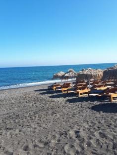 Magnifique plage de sable noir